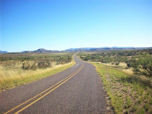 20-acs-only-paved-highway-388mo-sierra-blanca-hudspeth-county-texas-216906-asmfn2.jpg
